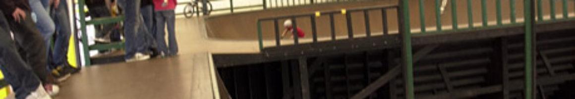 "Invert at G-skate<br/>PHOTO:杉田""TACOS""伸也"
