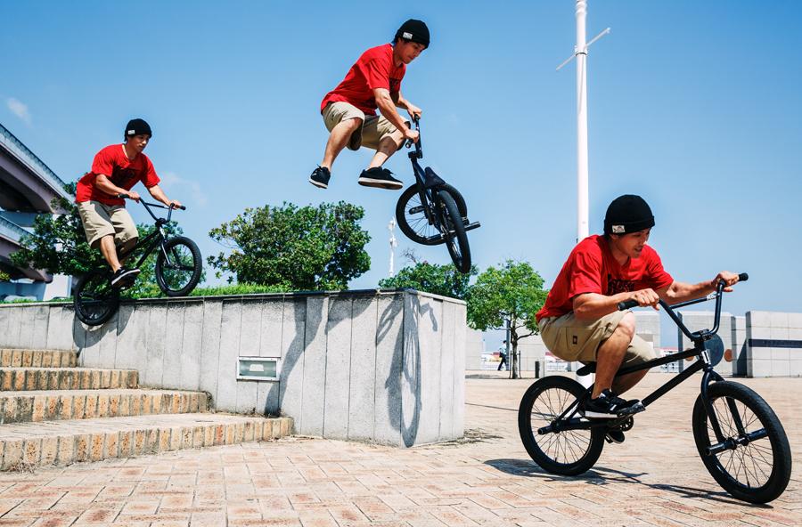 FEEBLE TO WHIP<br/>PHOTO: Yuta Yoshida