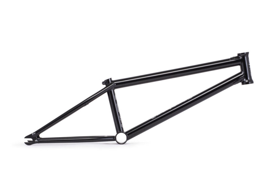 WTP_Utopia_frame_black-01